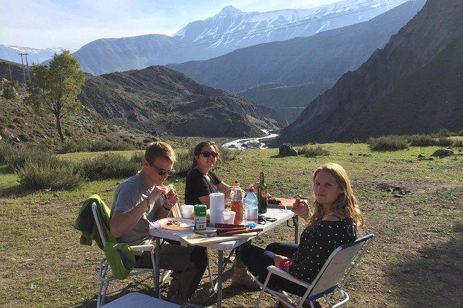 CAJON DEL MAIPO MOUNTAIN: SNACK, BREAKFAST & ROAST BEEF PRIVATE TOUR FULL DAY