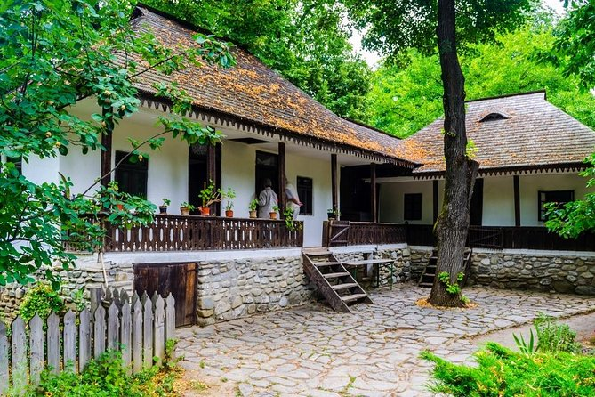 Half-Day Private Sightseeing Tour of Bucharest and its Surroundings Package photo 4