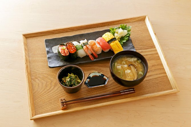 Omakase-Style Sushi Class and Local Supermarket Tour