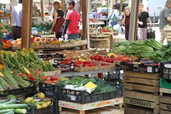 Historical Food Markets of Rome Small Group Tour