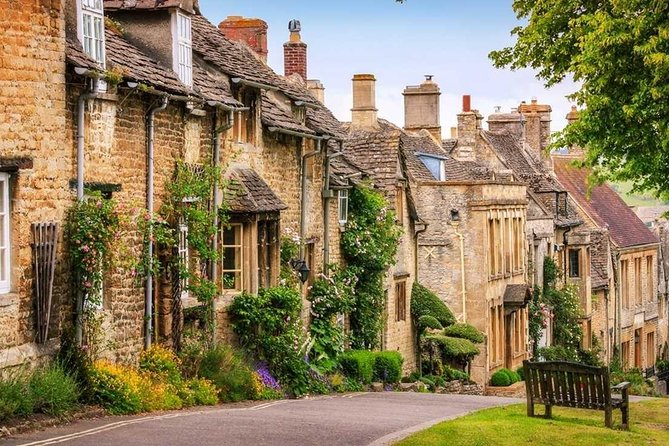Be led via your knowledgeable tour guide through stunning towns and villages