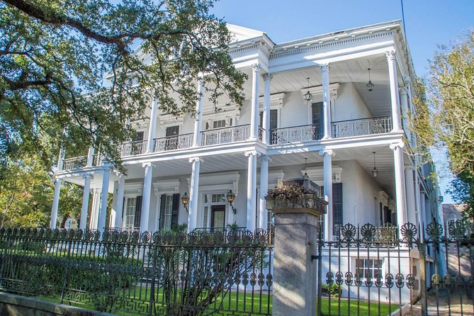 Private Garden District Walking Tour With Lafayette Cemetery No 1 photo 3