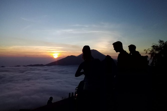 Batur Sunrise Trekking With Private Hotel Transfer and Breakfasts