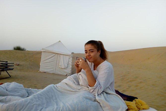 Sleeping arrangement in the dunes under open sky