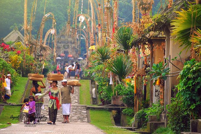 Ubud and Tanah Lot Temple Tour