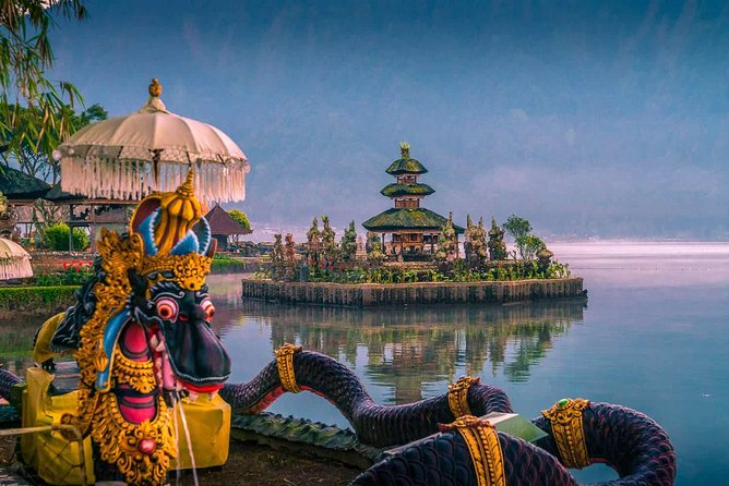 The Beauty of Bali : Bedugul, Taman Ayun Temple and Tanah Lot Temple Tour.