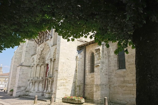 Half a day in Saint-Emilion on a private tour (Luxury Minivan)