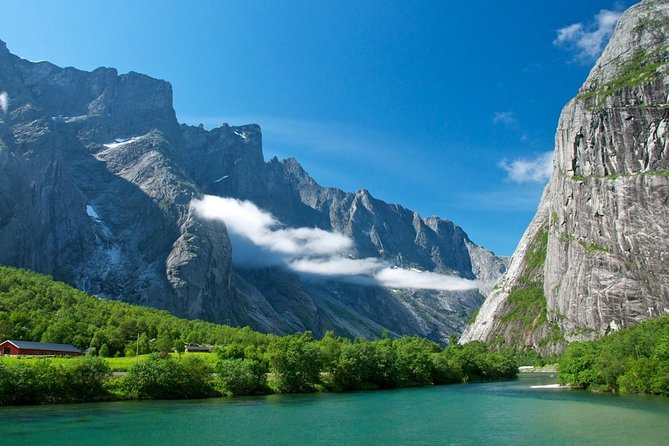 Viking Cruises Private Tour - Oslo to Bergen via the Sognefjord by private Van