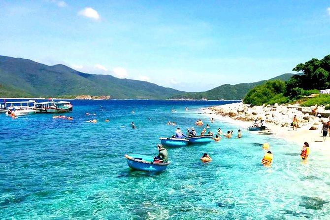 Nha Trang: Discover Nha Trang Beautiful Islands & Snorkeling Tour