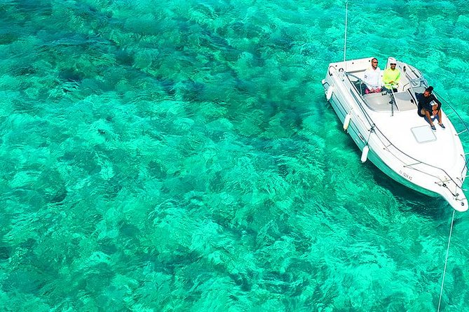 Roatan VIP Private Yacht Snorkeling Adventure