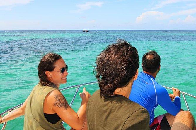 Roatan VIP Private Yacht Snorkeling Adventure