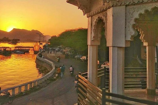 Udaipur Full-Day Sightseeing Tour with Guide & Transports
