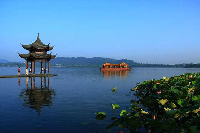 Hangzhou Day Tour with Impression West Lake Show from Shanghai by Bullet Train