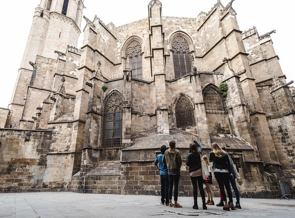 Architecture, History & Local Catalan gastronomy through the Gothic Quarter photo 8