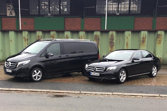 Private 3-Hour Hamburg Sightseeing Tour in a Mercedes Limousine