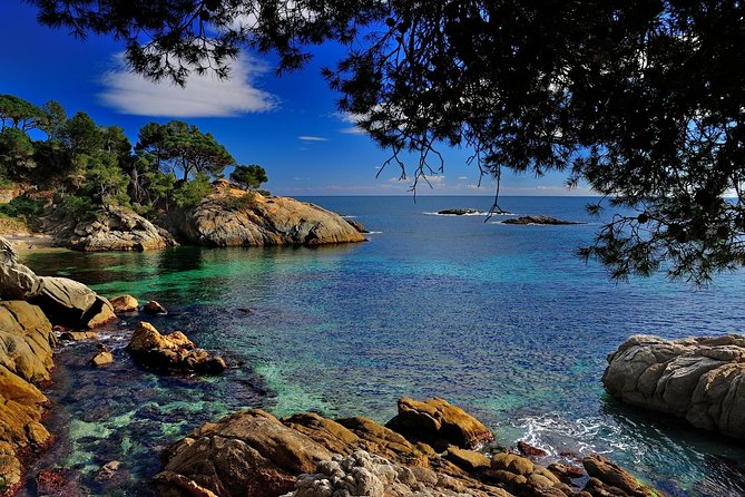 Private Costa Brava and Tossa Tour with hotel pick-up and Panoramic Boat Ride