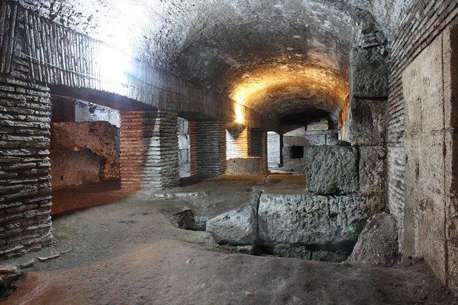 Private Tour - Skip the line: Secrets Rome, off the Beaten track!