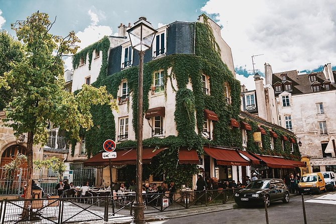 Le Marais District & Jewish Quarter Guided Walking Tour - Private Tour