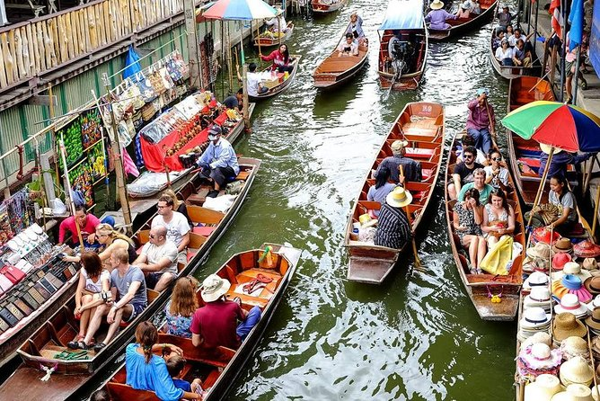 Damnern Saduak Floating Market-Mae Klong Railway Market (Train Pass the Market) photo 4
