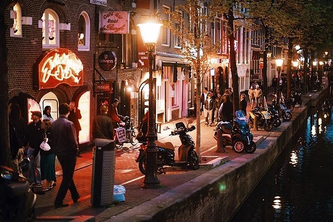 Amsterdam Red Light District Guided Walking Tour - Private Tour
