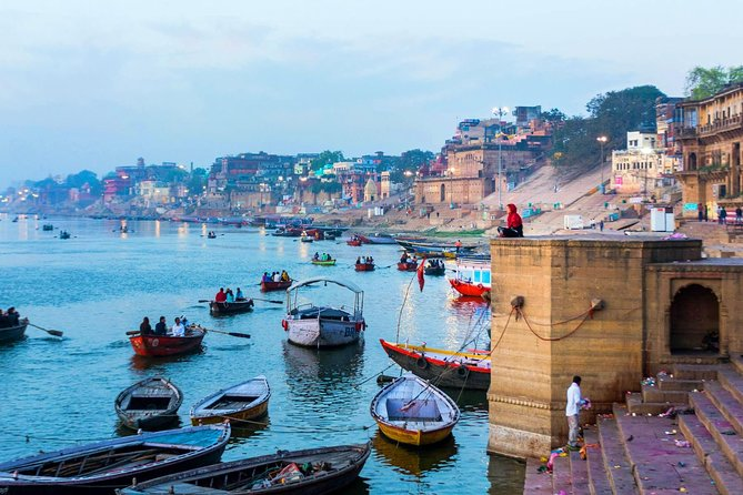 4-Days tour of Agra with Varanasi from Delhi Includes,Hotel,Train Ticket,Vehicle