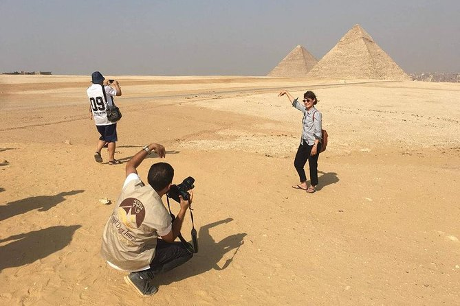 Giza Pyramids and Egyptian Museum stopover tour