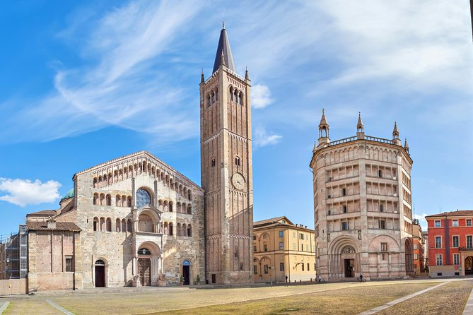 Private Luxury Transfer from Florence to Milan with stop in Parma