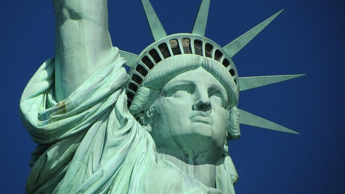 Statue of Liberty and Ellis Island Tour in Spanish