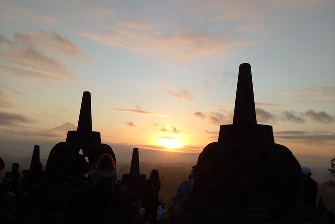 Private Tour : Superb Borobudur Sunrise & Prambanan Temple