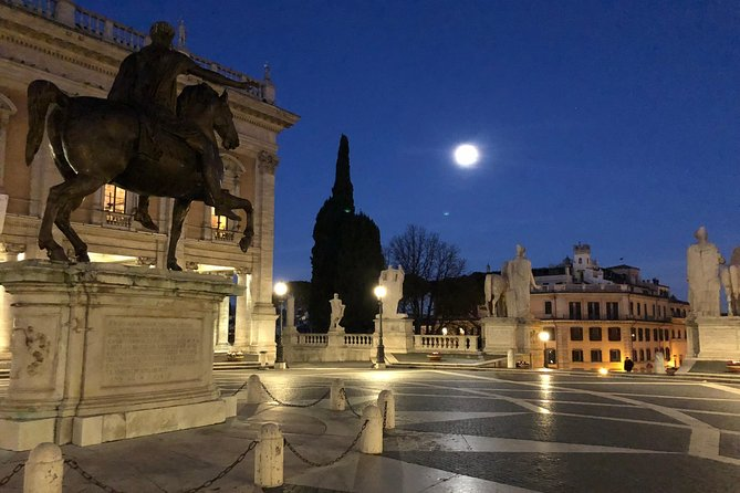 Rome by Night tour (2hrs) with an English speaking driver