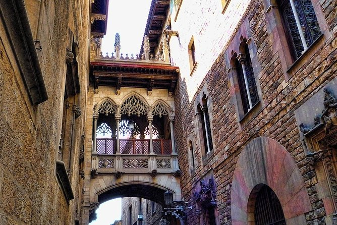 Small-Group Walking Tour of Gothic Quarter and Picasso Museum