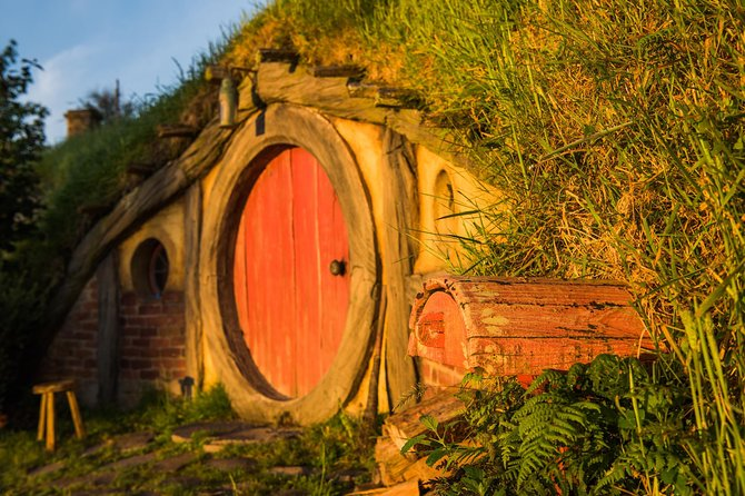 Luxury Small Group: Guided Hobbiton Movie Set Excursion - Early Access photo 3