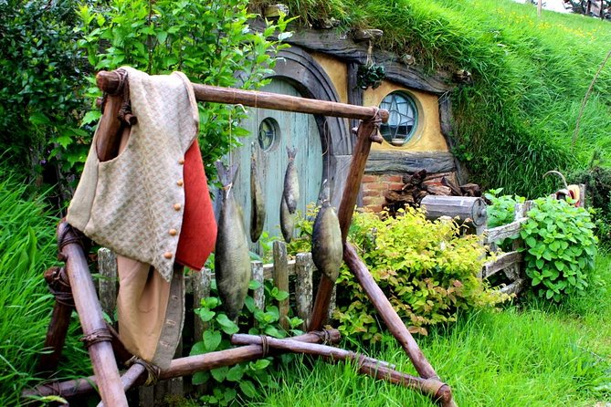 Luxury Small Group: Guided Hobbiton Movie Set Excursion - Early Access photo 6