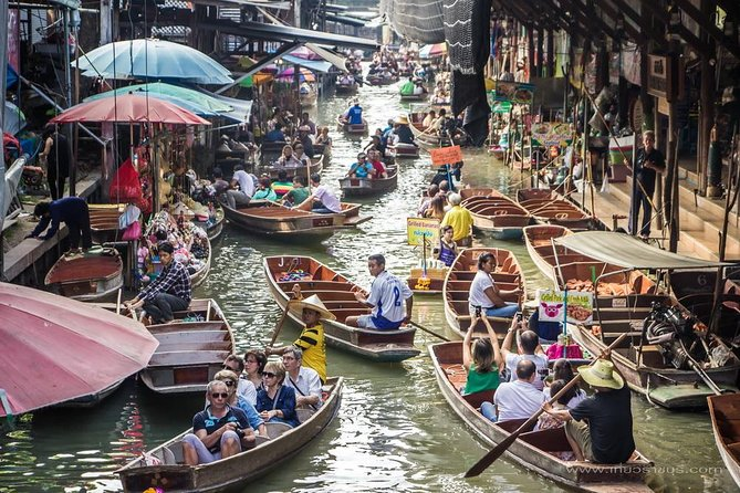 Floating Market Damnoen Saduak - halbtägige Gruppentour vom Hotel in Bangkok