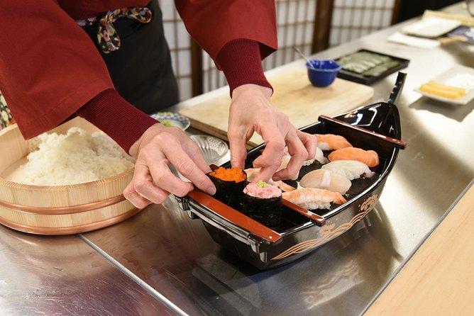 Sushi Making & Sushi Lunch (Near Tokyo Tower)
