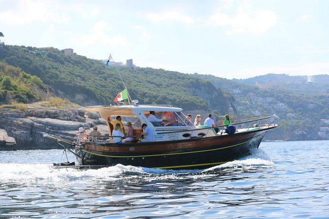 From Salerno: Small Group Li Galli Islands and Capri Boat Tour