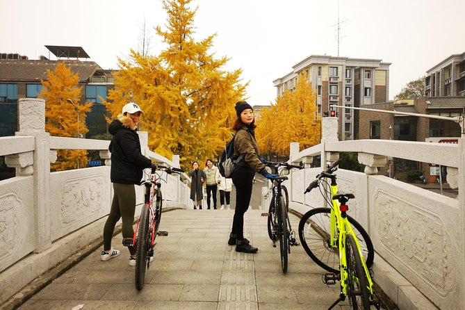 Splendid Chengdu - Into The Local