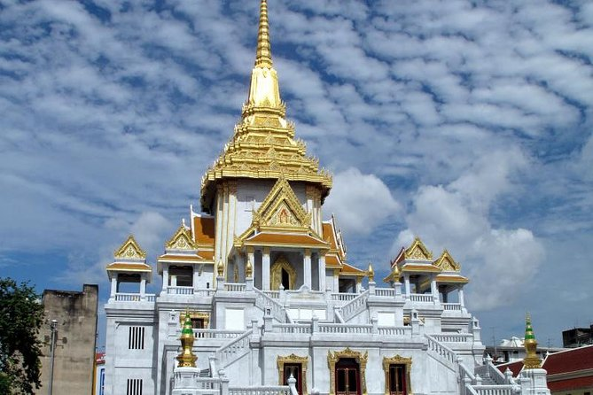 Bangkok Temple Tour (Wat Arun, Wat Pho, Wat Noi and Wat Triamit)