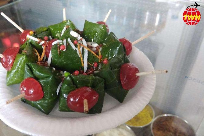 Lucknow Food Tour By Red Chillies - 7 Course tour with pickup and drop photo 4