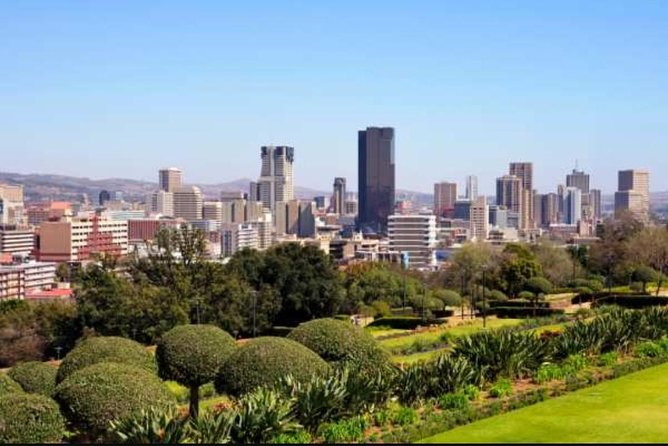 Pretoria, Soweto and Apartheid Museum Guided Day Tour from Johannesburg Private