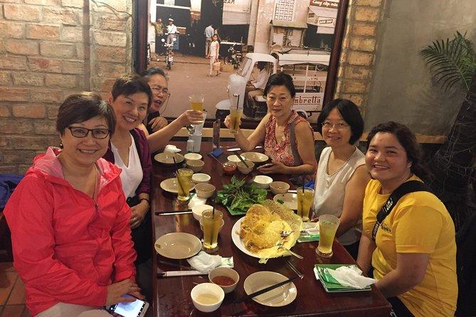 """""""The Intimate Saigon"""" by night (food tasting tour)"""