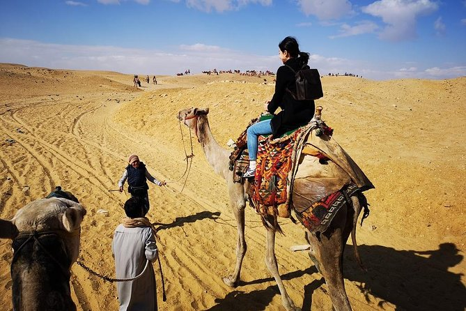 Photo session Tour to Giza pyramids with camel ride