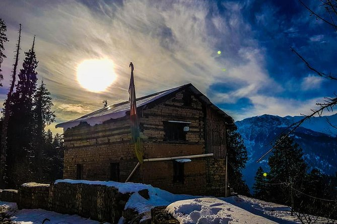 Experiential Manali Snow Adventure with Snow Trek and stay in Wilderness Lodge