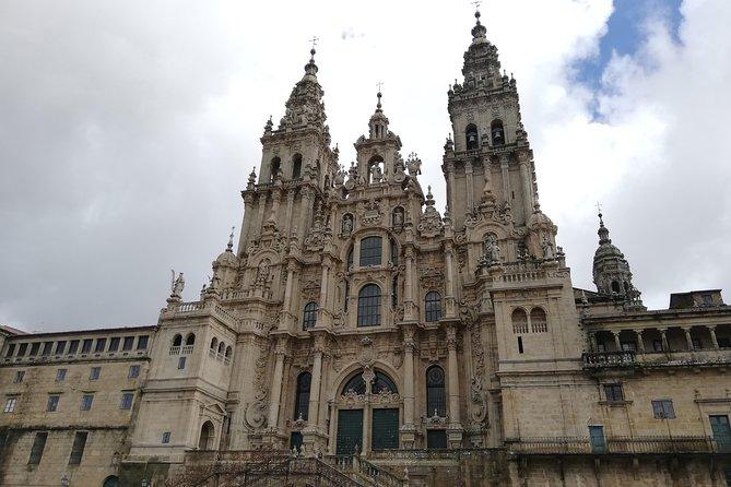 Tour Vigo and Santiago Compostela: Departure from Braga and Guimarães