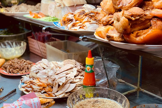 Evening Street Food Walking Tour & Boat Ride In Hoi An