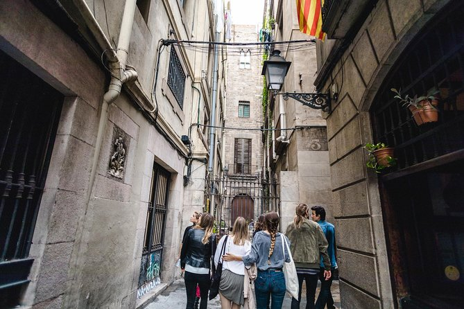 Pinchos, Wine and Architecture in Barcelona