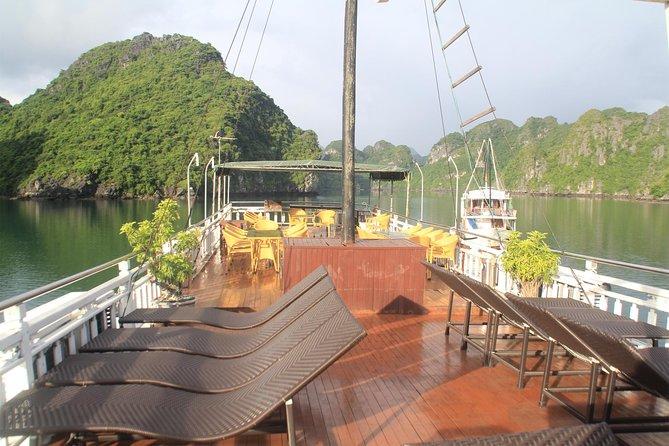 Boutique cruise Lan Ha bay 3 days 2 nights: Kayaking, swimming, biking & fishing