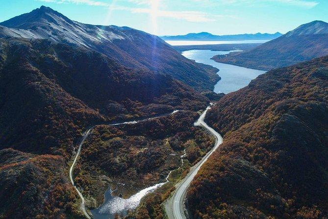 Ushuaia: Escondido and Fagnano Lakes Experience