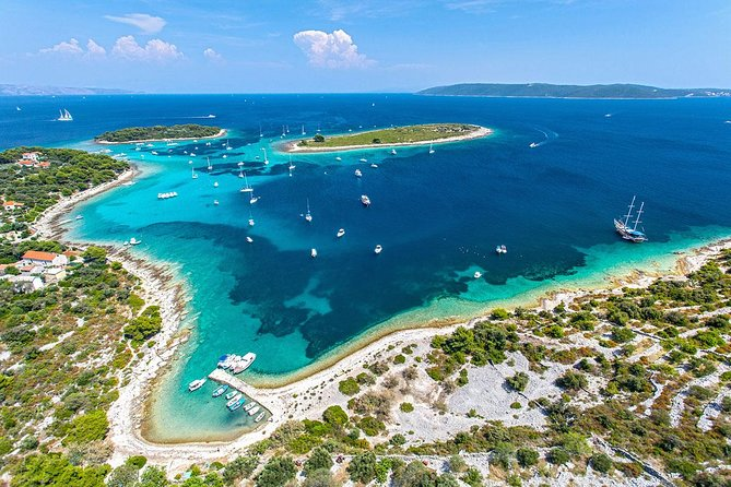 50 Shades of Blue Lagoon and Island Solta tour from Split and Trogir