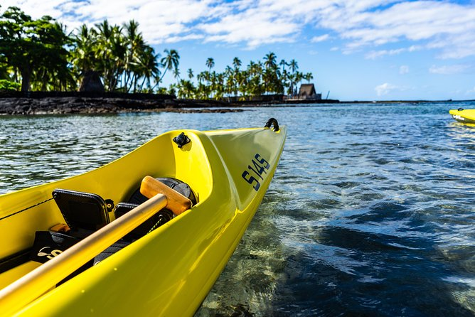 Kayak tours on a majestic isolated coastline & a tour Pu'uhonua o Honaunau Park Image